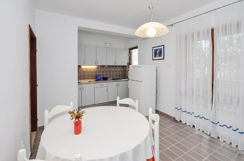Apartments Igor - 13591-A3 - Image 1 - Turanj - rentals