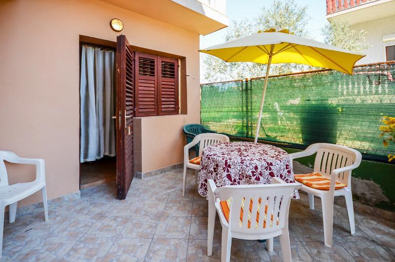 Apartments Mira - 13681-A3 - Image 1 - Bibinje - rentals