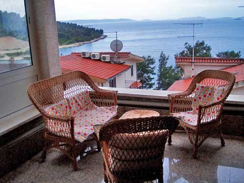 Apartments Vlade - 30481-A2 - Image 1 - Okrug Donji - rentals