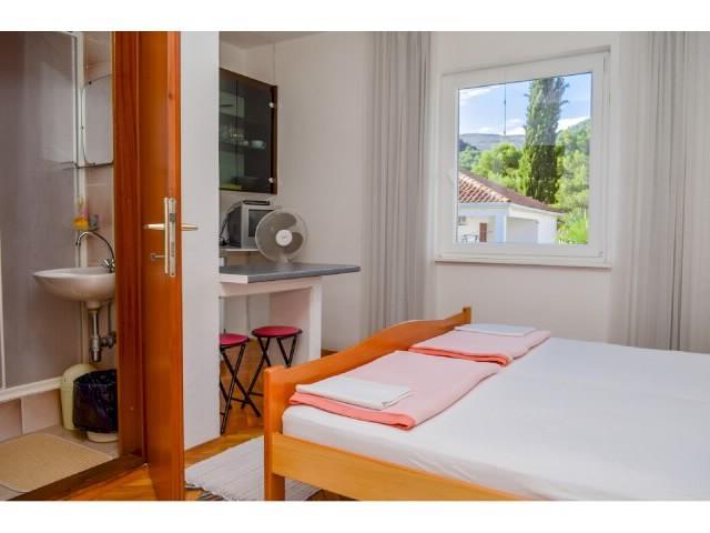 Apartments Osvit - 31801-A3 - Image 1 - Stari Grad - rentals