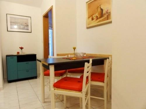 Apartments Gorana - 31841-A1 - Image 1 - Jelsa - rentals