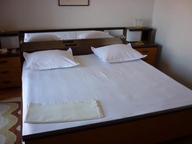 Apartments and Rooms Anka - 31931-S1 - Image 1 - Supetar - rentals