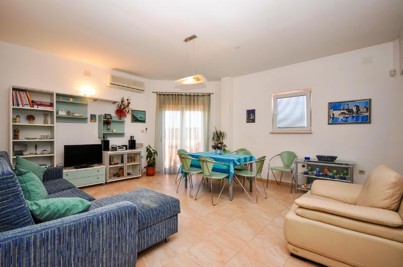Apartments Renato - 32081-A2 - Image 1 - Kastel Sucurac - rentals