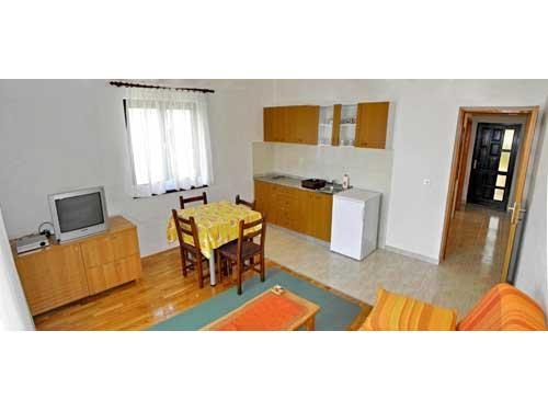 Apartments Slavko - 32831-A2 - Image 1 - Okrug Gornji - rentals
