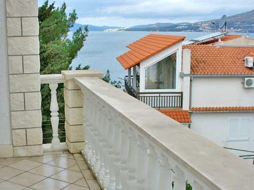 Apartments Stana - 33061-A1 - Image 1 - Okrug Gornji - rentals