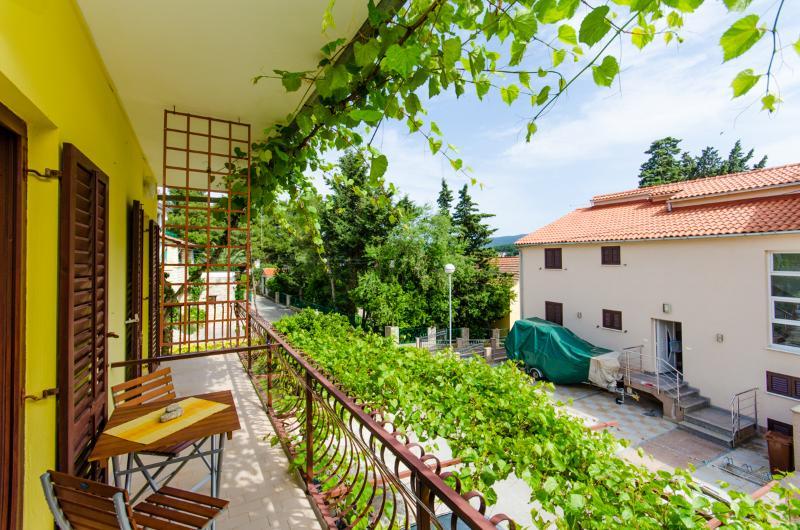 Apartments Anita - 33431-S1 - Image 1 - Vrboska - rentals