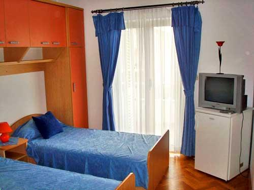 Apartments and Rooms Ante - 34111-S2 - Image 1 - Hvar - rentals