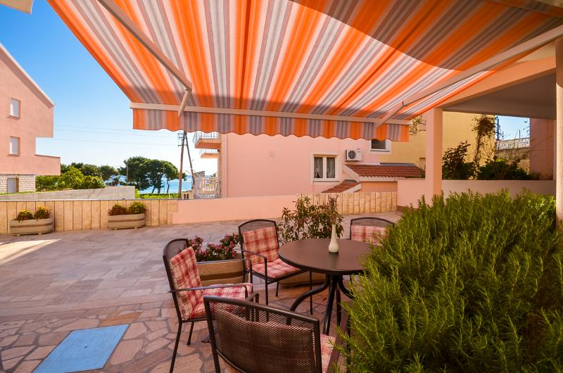 Apartment Darko - 34461-A1 - Image 1 - Podstrana - rentals