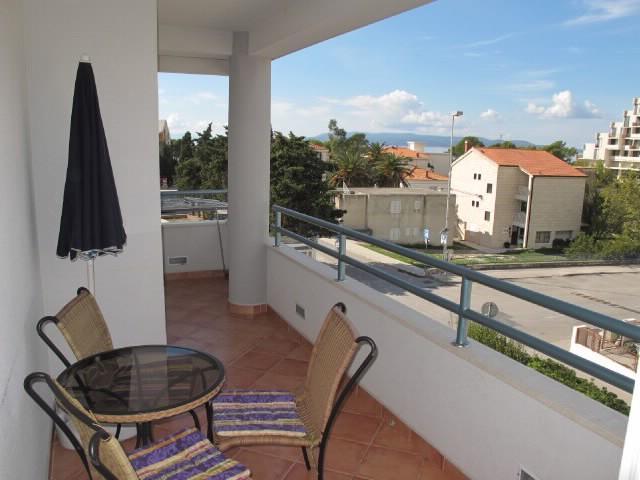 Apartments Slobodanka - 36121-A4 - Image 1 - Makarska - rentals