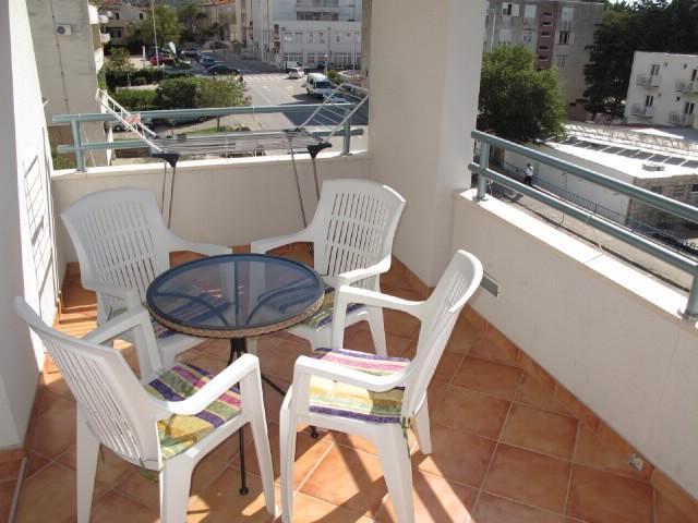 Apartments Slobodanka - 36121-A6 - Image 1 - Makarska - rentals