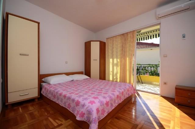 Apartments Katić - 37021-A3 - Image 1 - Zivogosce - rentals