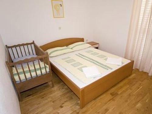 Apartments Marko - 37471-A3 - Image 1 - Makarska - rentals