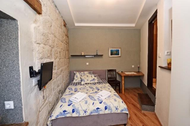 Rooms Elena - 38971-S1 - Image 1 - Split - rentals