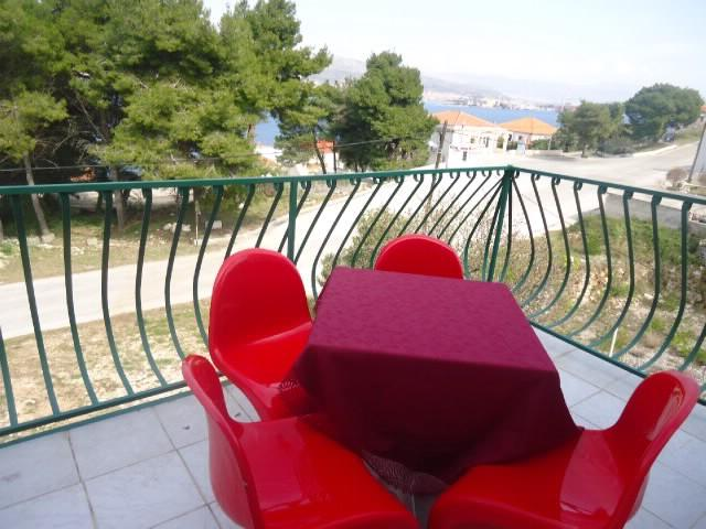 Apartments Sandra - 39741-A6 - Image 1 - Okrug Donji - rentals