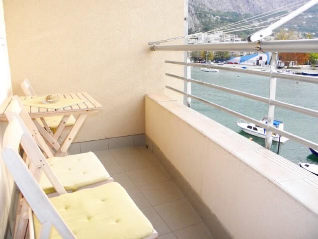 Apartments Cetina - 41261-A1 - Image 1 - Omis - rentals