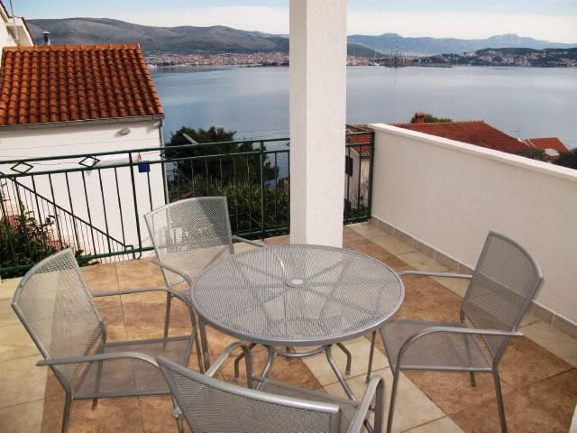 Apartment Goran - 41451-A1 - Image 1 - Okrug Donji - rentals