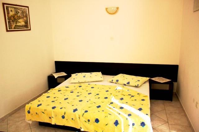 Apartments Teo - 42051-A2 - Image 1 - Brist - rentals