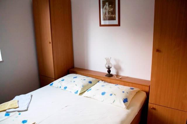 Apartments Teo - 42051-A3 - Image 1 - Brist - rentals