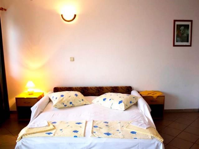 Apartments Teo - 42051-A4 - Image 1 - Brist - rentals