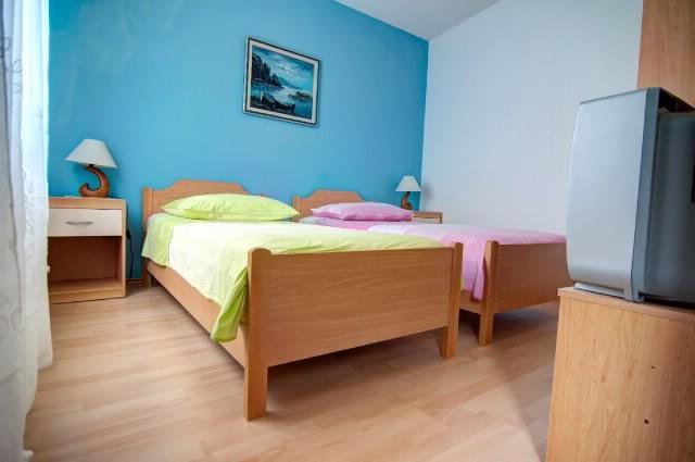 Apartments Tonka - 42251-A3 - Image 1 - Pucisca - rentals