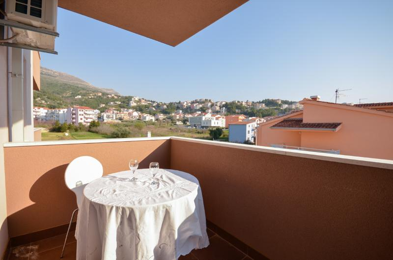 Apartments Neven - 42561-A1 - Image 1 - Podstrana - rentals
