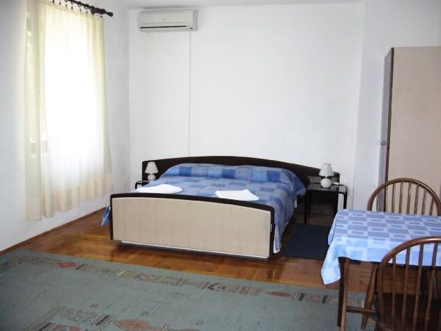 Apartments Petroslava - 50211-A1 - Image 1 - Orebic - rentals
