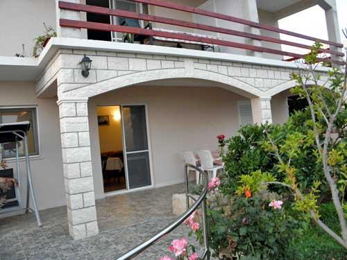 Apartment Veseljko - 51761-A2 - Image 1 - Prizba - rentals