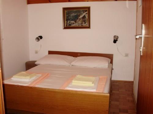 Rooms Sofija - 60041-S6 - Image 1 - Selce - rentals