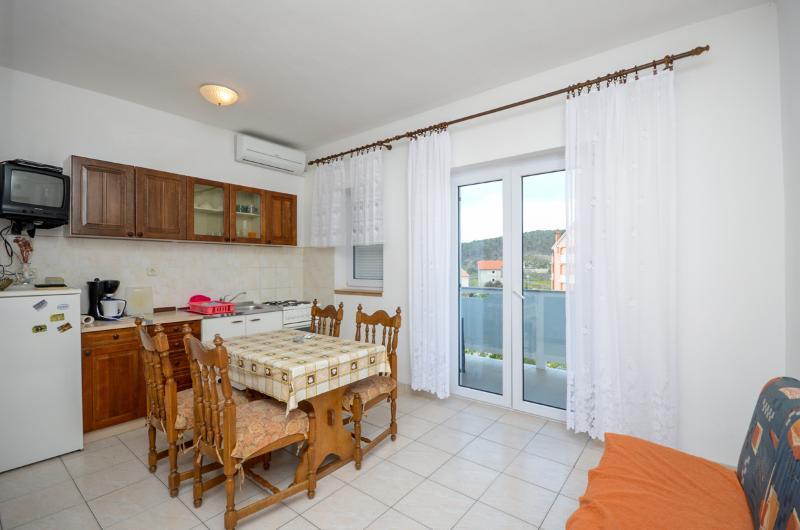 Apartments Rajka - 65301-A1 - Image 1 - Lopar - rentals