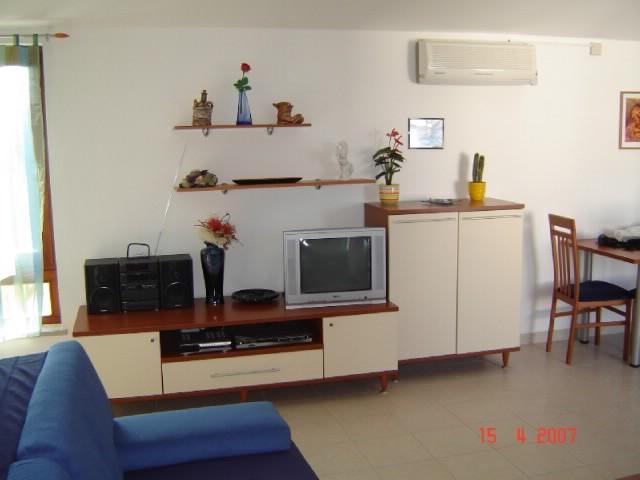 Apartments Mauro - 67451-A1 - Image 1 - Malinska - rentals
