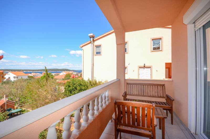 Apartments Jasmin - 68531-A3 - Image 1 - Barbat - rentals