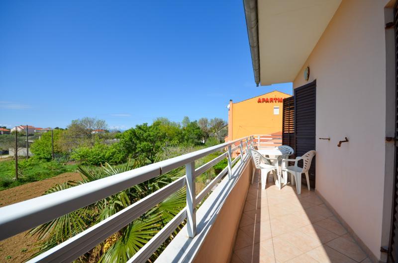 Apartments Nikola - 13581-A3 - Image 1 - Privlaka - rentals