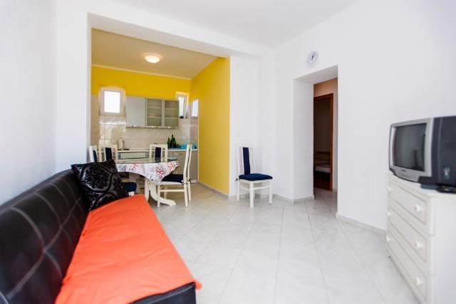 Apartments Vinko - 27132-A1 - Image 1 - Vinisce - rentals