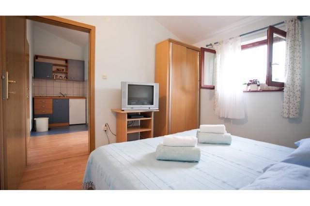 Apartments Mirko - 30361-A3 - Image 1 - Seget Vranjica - rentals
