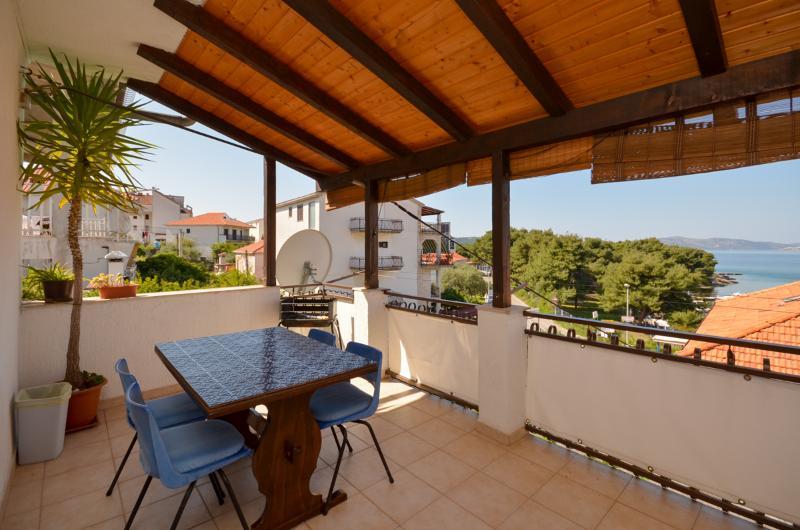 Apartments Alen - 30401-A1 - Image 1 - Trogir - rentals