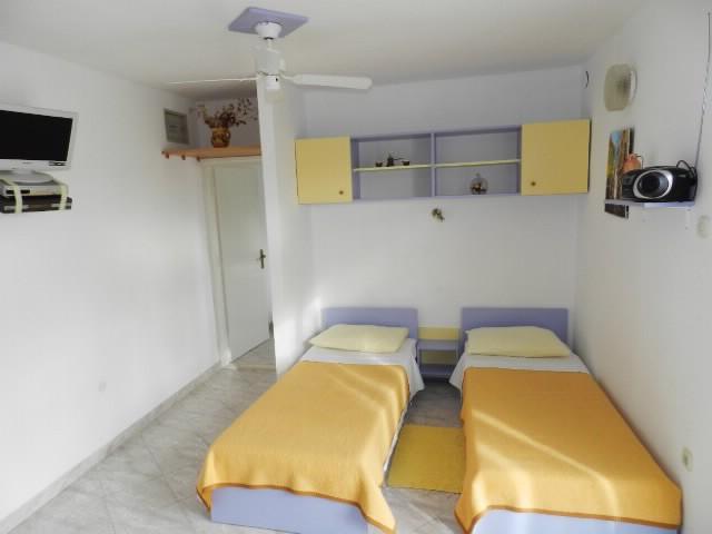 Apartments Ivanka - 30411-A5 - Image 1 - Seget Vranjica - rentals