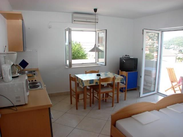 Apartments Ante - 32271-A2 - Image 1 - Seget Vranjica - rentals