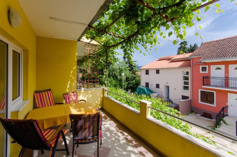 Apartments Anita - 33431-A4 - Image 1 - Vrboska - rentals