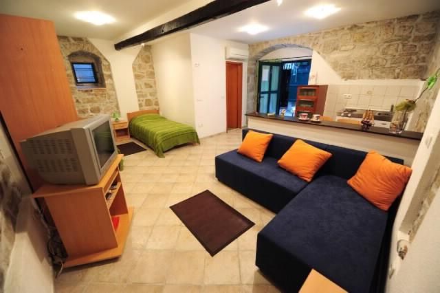 Apartments Ivana - 34761-A1 - Image 1 - Split - rentals