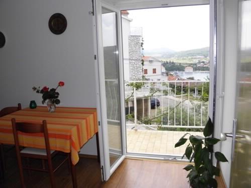 Apartments Jakov - 35991-A2 - Image 1 - Jelsa - rentals