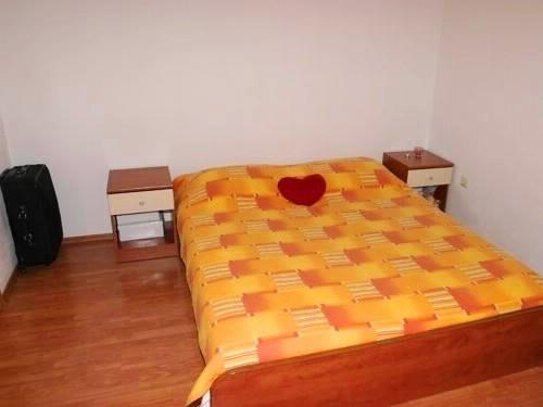 Apartments Pero - 36191-A2 - Image 1 - Makarska - rentals