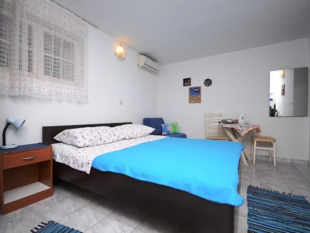 Apartments Lidija - 37411-A3 - Image 1 - Makarska - rentals