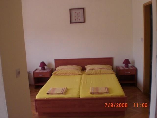 Apartments Josip - 38431-A3 - Image 1 - Jelsa - rentals
