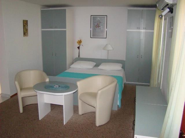 Apartments Vesna - 39791-A2 - Image 1 - Vis - rentals