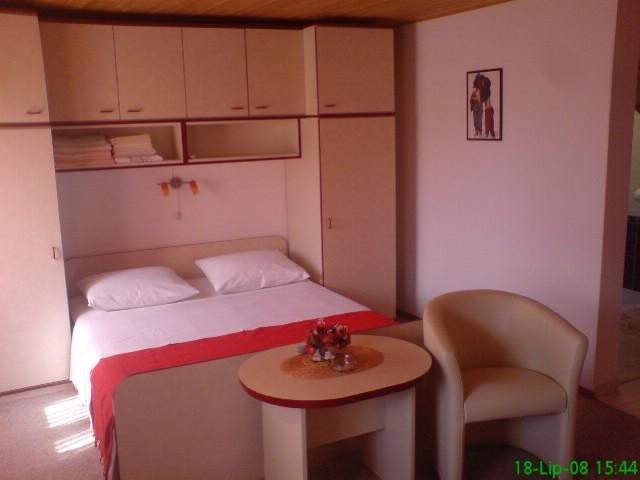 Apartments Vesna - 39791-A3 - Image 1 - Vis - rentals