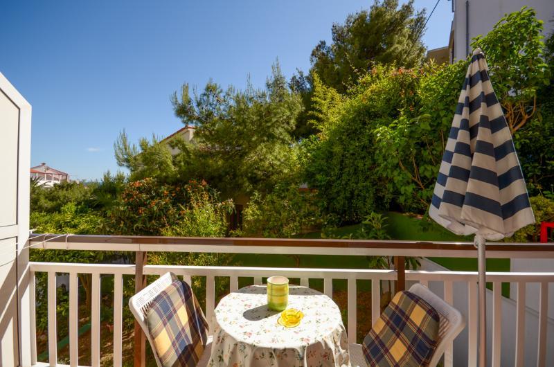 Apartments Zvonimir - 40781-A2 - Image 1 - Hvar - rentals