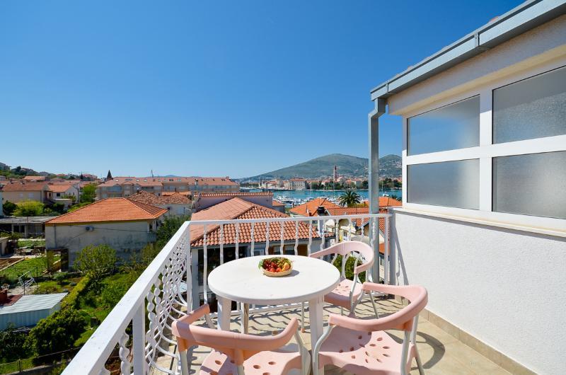 Apartments Joško - 42081-A1 - Image 1 - Trogir - rentals