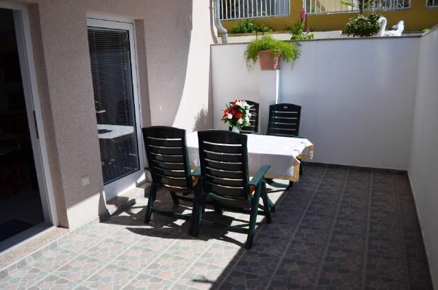 Apartments Ankica - 42131-A3 - Image 1 - Podstrana - rentals