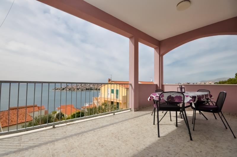 Apartments Aleksandra - 42401-A1 - Image 1 - Okrug Gornji - rentals