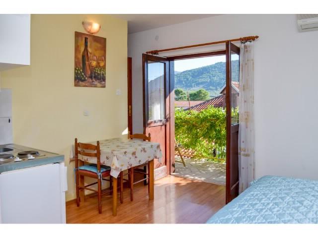 Apartments Igor - 42571-A2 - Image 1 - Stari Grad - rentals
